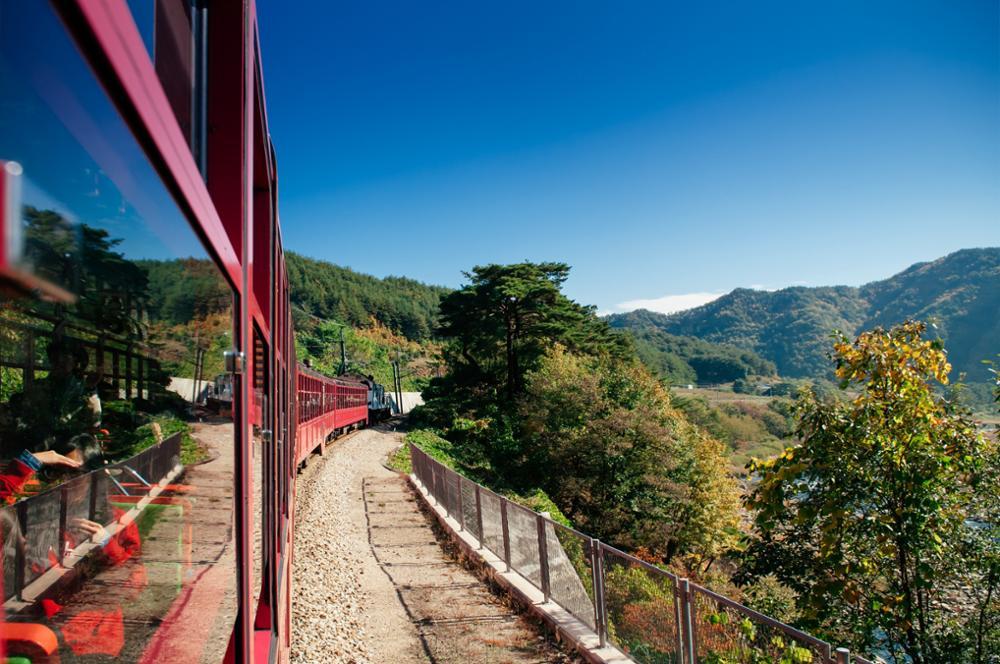 Voyager en train touristique à travers la Corée du Sud